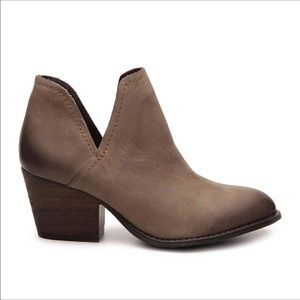 Steve Madden Size 11M Adelphi 904 Taupe Booties